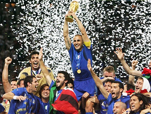 Fabio Cannavaro raises the World Cup after Italy wins!