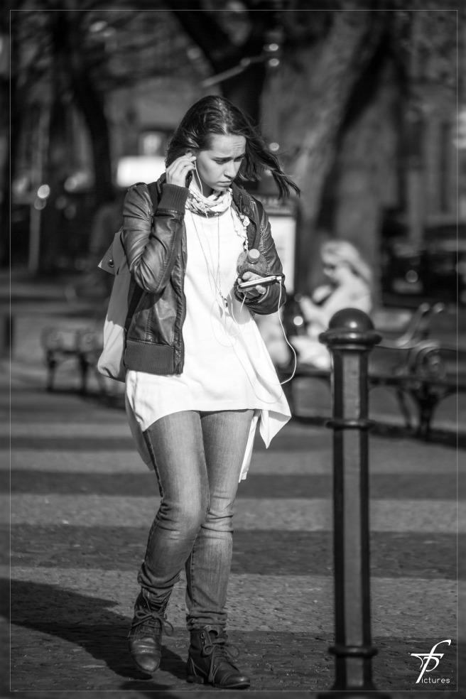 girl-293305_1920