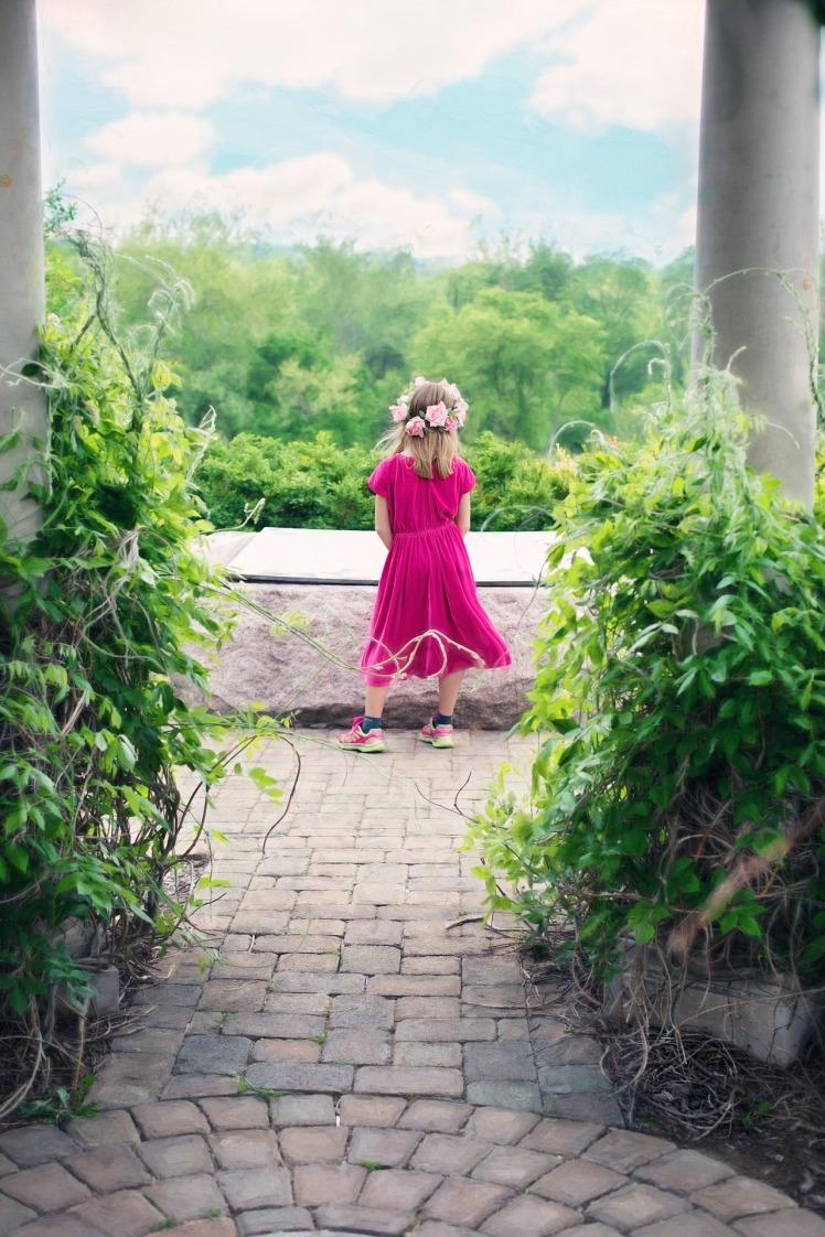 little-girl-773025_1920